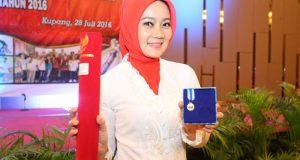 Setelah Ridwan Kamil, Giliran Sang Istri Terima Penghargaan